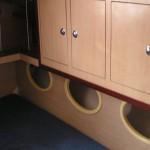 Placard en sandwich balsa cabine arrière d'un bateau de régate
